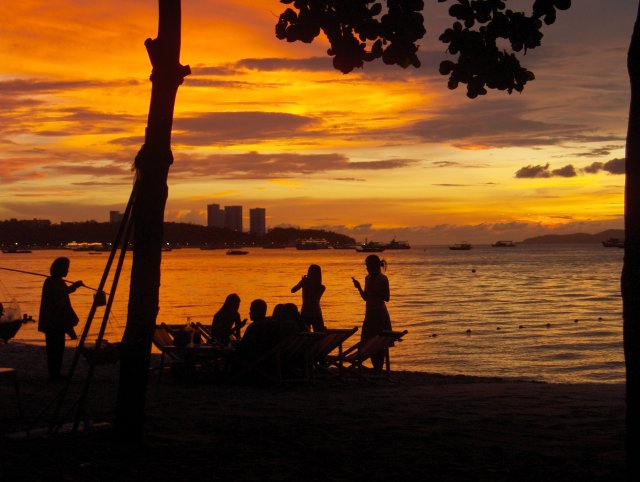 Pattaya_sunset-KayEss-1